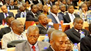 Des députés lors de l'élection du bureau définitif de l'Assemblée nationale congolaise le 12/04/2012 à Kinshasa. Radio Okapi/ Ph. John Bompengo