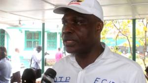 Martin Fayulu, membre de l'opposition Congolaise réagit contre la répression de la marche de l'UDPS par la police nationale le 29/09/2011 à Kinshasa. Radio Okapi/ Ph. John Bompengo