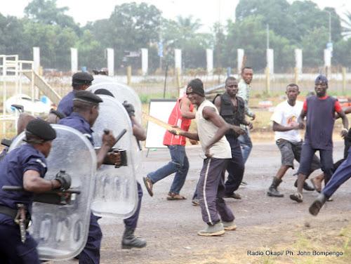 les jeunes contre la police