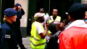 jules s'adresse aux manifestants